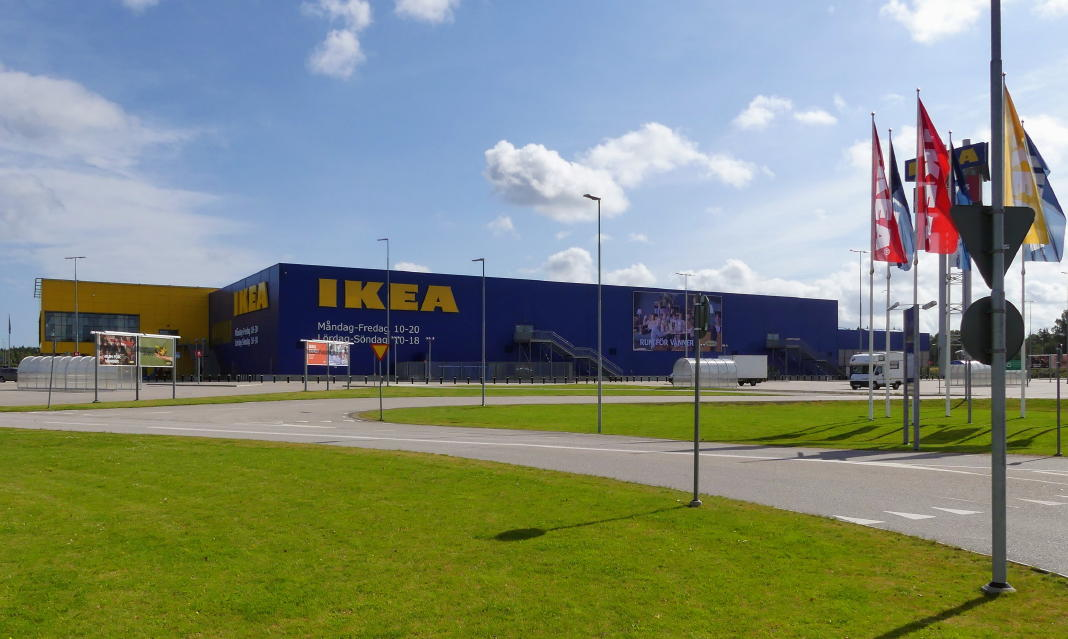 ikea in schweden. Black Bedroom Furniture Sets. Home Design Ideas