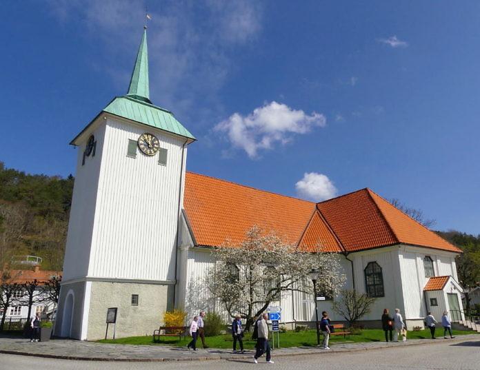 Die Altstadt in Kungälv, eine idyllische Holzstadt am Gamla Torget