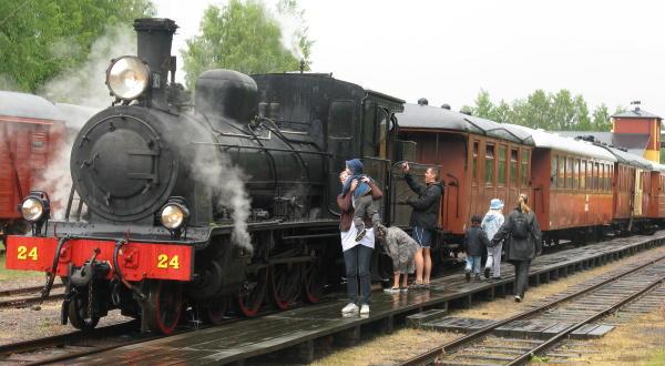 Anten-Gräfsnäs-Järnväg