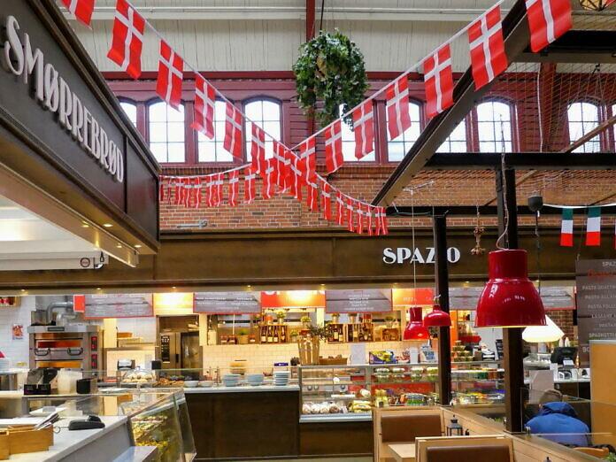 Centralstation: Malmös Hauptbahnhof mit Busbahnhof und Food Court